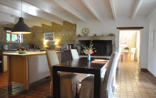 BoligBytte til,France,Cognac, 73k, N,Kitchen with dining area