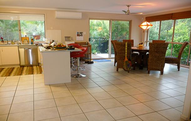 Home exchange in,Australia,TEWANTIN,Kitchen/dining area
