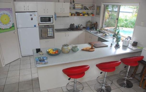 Home exchange in,Australia,TEWANTIN,Large modern kitchen