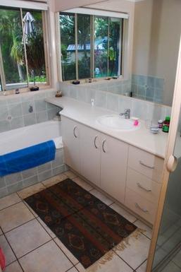 Home exchange in,Australia,TEWANTIN,The second bathroom