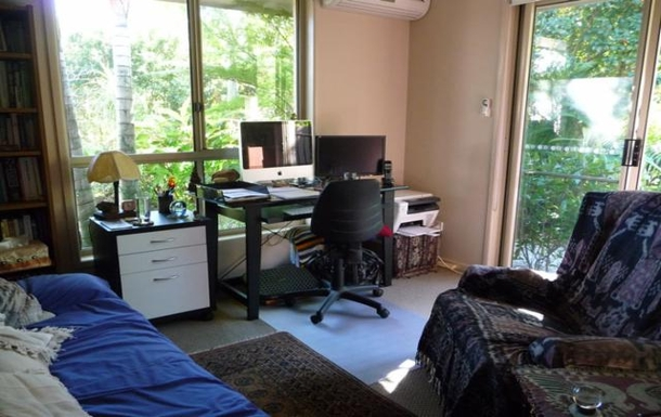 Home exchange in,Australia,TEWANTIN,Jacqui's office