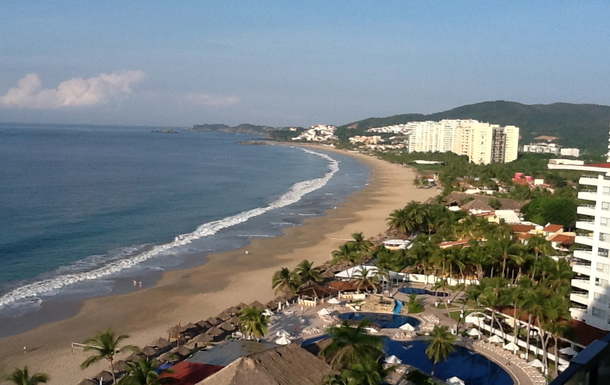 Wohnungstausch in Mexiko,Ixtapa, GRO,A newly renovated condo on the beach.,Home Exchange Listing Image