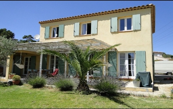 House with typical architecture of Provence