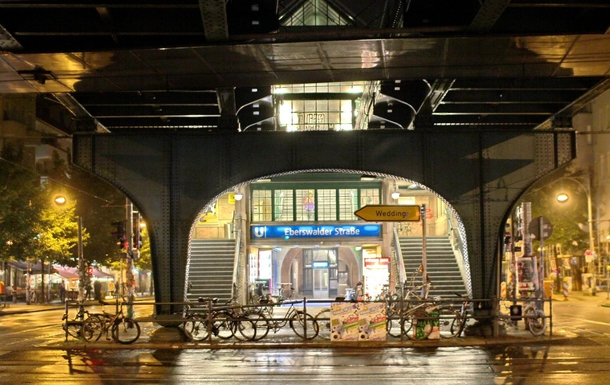 Home exchange in,Germany,Berlin,Subway station Eberswalder Strasse