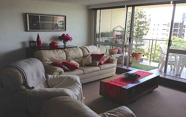 Home exchange in,Australia,Brisbane,Lounge Room and Balcony