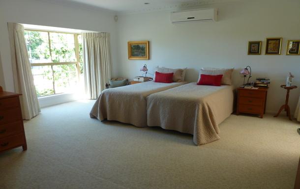 Home exchange in,Australia,EAST IPSWICH,Main bedroom