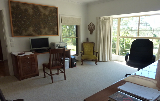 Home exchange in,Australia,EAST IPSWICH,The study is large and lovely.