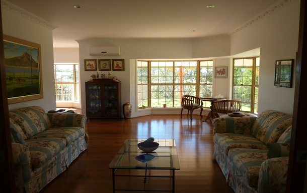 Home exchange in,Australia,EAST IPSWICH,Formal living with dining ajacent, beautiful views