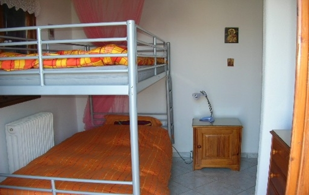 BoligBytte til,Greece,Artemida, Athens,,Second floor bunk beds room with small balcony