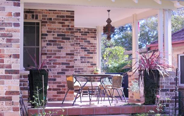 Home exchange in,Australia,Cronulla,Sunny verandah on front garden