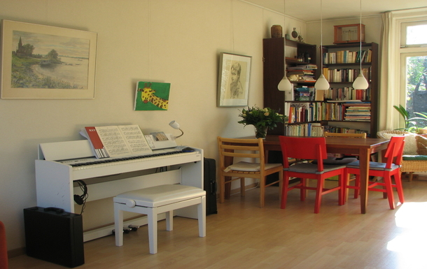 BoligBytte til,Netherlands,Houten,The electric piano and dining table