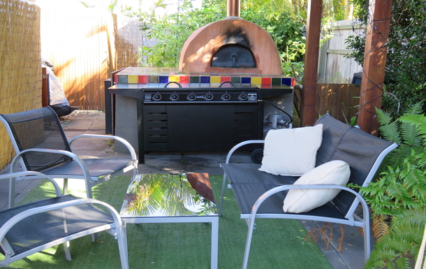 Home exchange in,Australia,peregian springs,The bbq and pizza oven