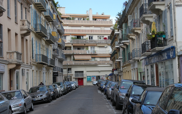 Home exchange in,France,Nice,The appartment from the street