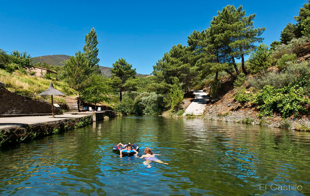 BoligBytte til,Spain,Castillo (Pinofranqueado),NATURAL SWIMMING POOL IN CASTILLO