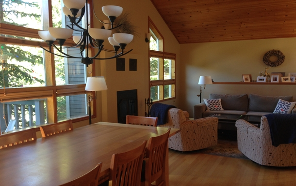 Kodinvaihdon maa Kanada,Whistler, BC,Cozy home for 14 in Whistler BC!,Home Exchange Listing Image