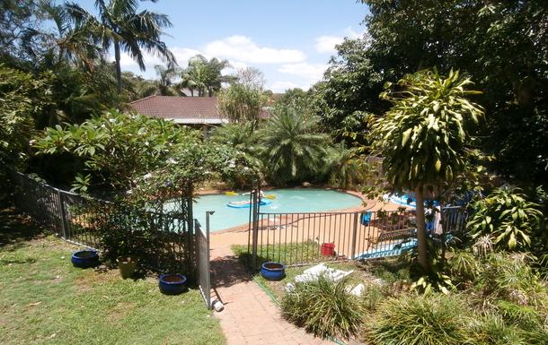Home exchange in,Australia,Wynnum,Pool in the leafy garden