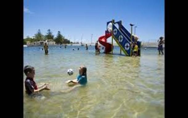 Home exchange in,Australia,Wynnum,Wynnum free salted pool( 2mn drive)