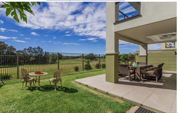 Home exchange in,Australia,Merrimac,Outdoor dining backs onto parkland