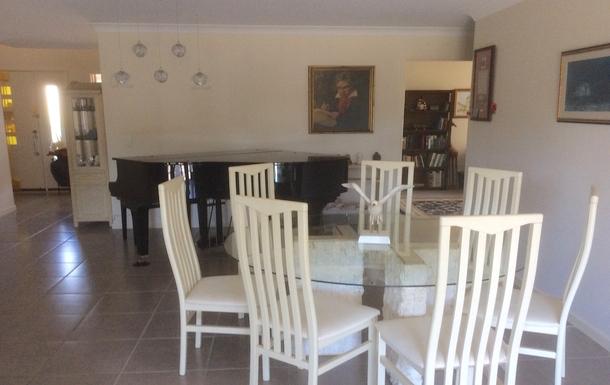 Home exchange in,Australia,Merrimac,Indoor Dining