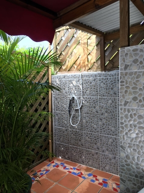 BoligBytte til,Guadeloupe,le gosier,Outside shower great used after the beach