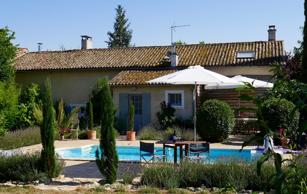Home exchange country Fransa,Cognac, 73k, N, Nouvelle-Aquitaine,France - Cognac, 73k, N - House/heated pool,Home Exchange Listing Image