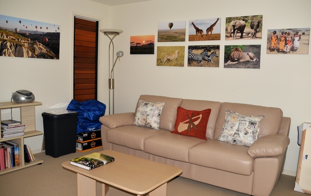 Home exchange in,Australia,COFFS HARBOUR,Reading room - sofa converts to queen-size bed