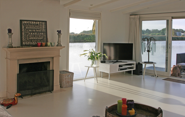 BoligBytte til,Netherlands,Amsterdam, 10k, S,The living room with view AND open fire