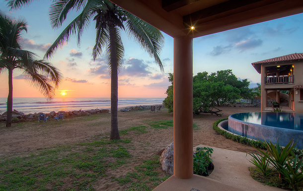 BoligBytte til,Mexico,Playa Troncones,Sunset out the Villa door