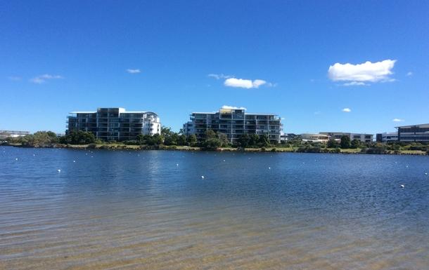 Home exchange in,Australia,Birtinya,Regatta Waterfront Apartments on Lake Kawana