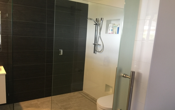 Home exchange in,Australia,WOOLGOOLGA,Master Bedroom Ensuite Shower