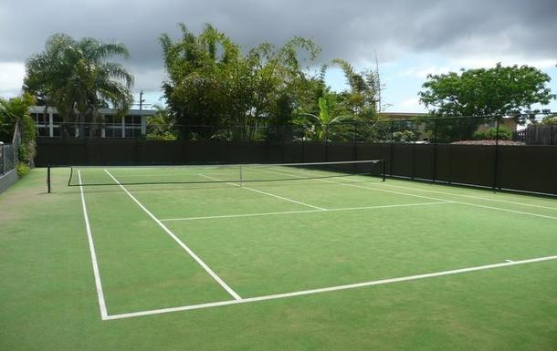 Home exchange in,Australia,BELLARA,Tennis court - still no crocodiles!
