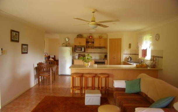 Home exchange in,Australia,WOOMBYE,Kitchen & Family Room