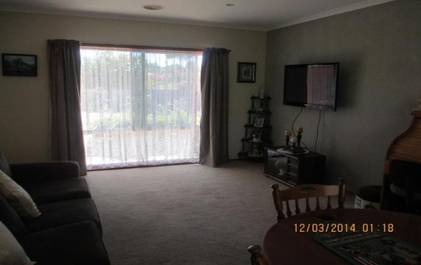 Home exchange in,Australia,BENALLA,Also large lounge with TV (2nd photo)