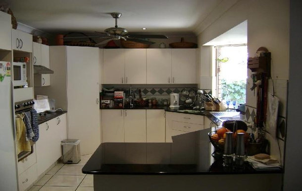 Home exchange in,Australia,HILLCREST,Kitchen