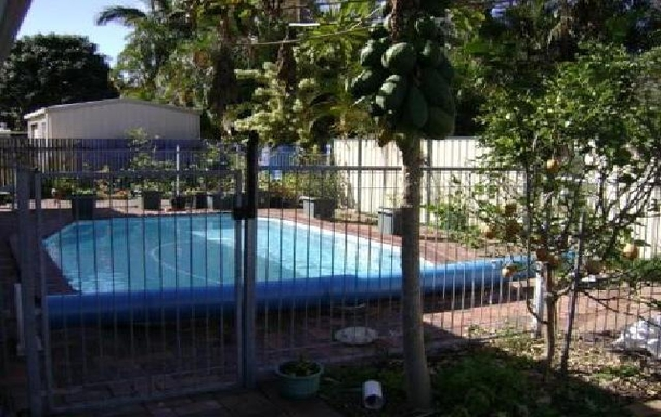 Home exchange in,Australia,HILLCREST,Pool yard
