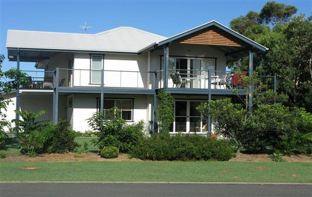 Home exchange in,Australia,Byron Bay, 20k, N,Our home, side view.