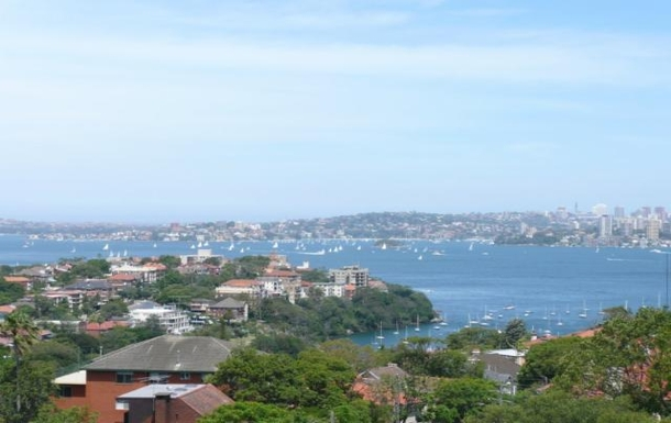 Home exchange in,Australia,NEUTRAL BAY,View from balcony, lounge and both bedrooms.