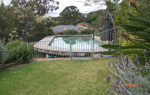 Home exchange in,Australia,ILLAWONG,Pool area