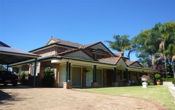 Home exchange in,Australia,SAMFORD VALLEY,Front view of our house