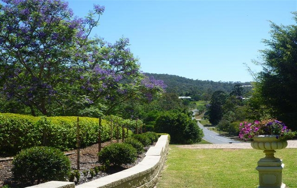Home exchange in,Australia,SAMFORD VALLEY,Looking down the road from our front lawn