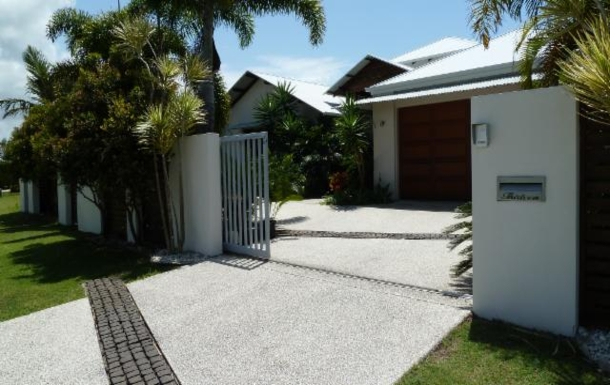 Home exchange in,Australia,TWIN WATERS,Front Gate