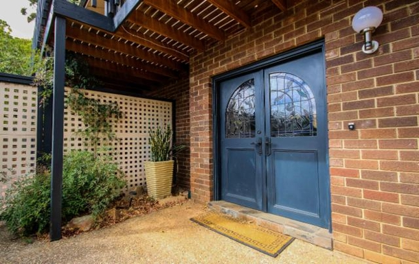 Home exchange in,Australia,LYNTON,Front entrance