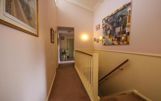 BoligBytte til,Australia,LYNTON,Upstairs hallway