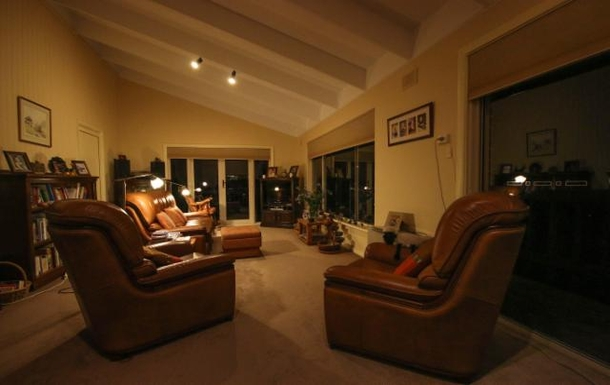 Home exchange in,Australia,LYNTON,Lounge room at night