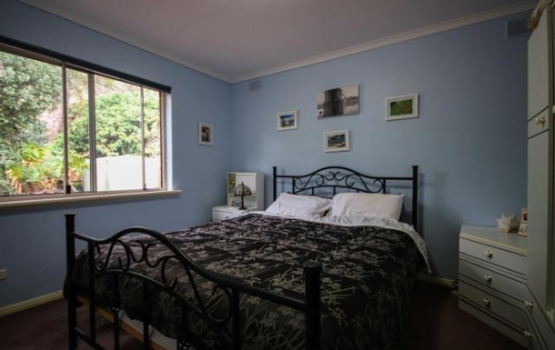 Home exchange in,Australia,LYNTON,Bedroom 2 - light and bright