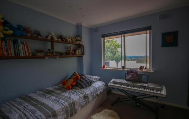BoligBytte til,Australia,LYNTON,Bedroom 3 - child's set-up