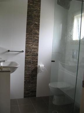 Home exchange in,Australia,CAMPERDOWN,Ensuite bathroom