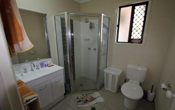 Home exchange in,Australia,TOWNSVILLE,Master bedroom ensuite