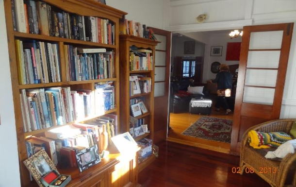 Home exchange in,Australia,WOOLOOWIN,Front entrance-nice spot to read the papers, blogs