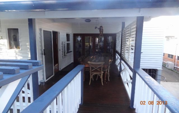 Home exchange in,Australia,WOOLOOWIN,We love our deck-breakfast, barbeques..